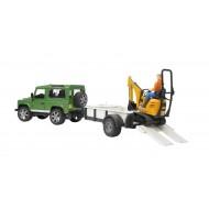 Bruder Land Rover Defender, met JCB Micro kraan op aanhanger, met arbeider 1:16
